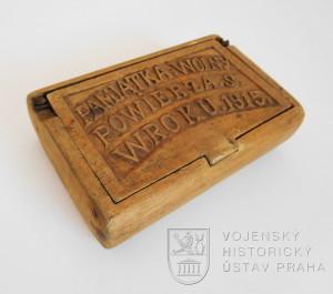 Dřevěná krabička na tabák