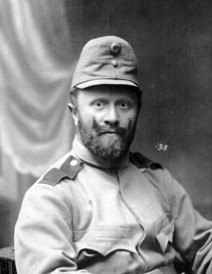 Zeměbranec v polní čepici vzor 1907. FOTO: VHÚ