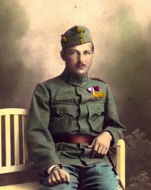 Dragoun Václav Petrák na kolorované fotografii v polním stejnokroji. FOTO: sbírka Václava Kaška