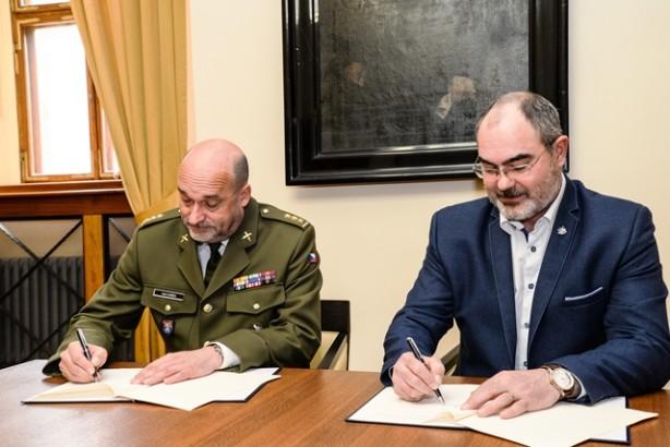 Podepsáno memorandum o spolupráci s městem Plzeň