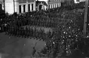 Pochod československých legionářů v Samaře v červnu 1918 (Foto VÚA-VHA)