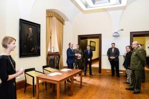 Memorandum o spolupráci mezi Vojenským historickým ústavem Praha a statutárním městem Plzeň bylo podepsáno v historických prostorách plzeňské radnice.