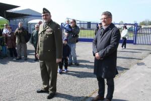 Ředitel VHÚ plk. Aleš Knížek (vlevo) a náměstek ministra obrany ing. Tomáš Kuchta