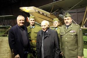 Zleva v popředí: Bohuslav Dvořák, Pavel Vranský a Aleš Knížek
