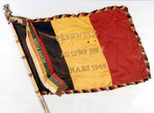 Prapor belgického 17. praporu fyzilírů se stuhou věnovanou městem Plzní Foto sbírka VHÚ