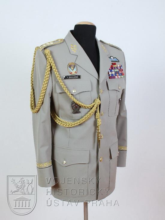 Blůza armádního generála, 2010