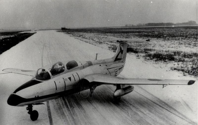 """Československý proudový cvičný letoun L-29 """"Delfín"""""""