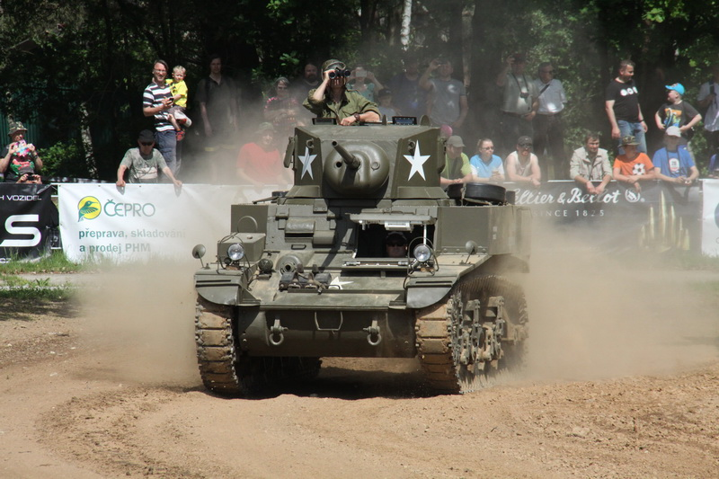 Tank M3 A1 Stuart