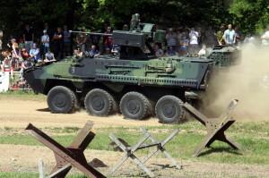 Defilé dělostřelecké techniky - KOT Pandur