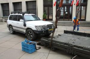 Přemístění a odvoz Toyoty Land Cruiser, která sloužila v Afghánistánu