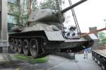 Tank T-34 byl odvezen ze žižkovského muzea jako předznamenání rekonstrukce budovy