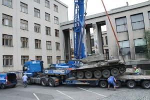 Přemístění a odvoz tanku T-34/85