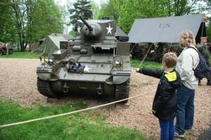 Americký lehký tank M3 Stuart se poprvé představil veřejnosti během letošních Slavností svobody v Plzni.