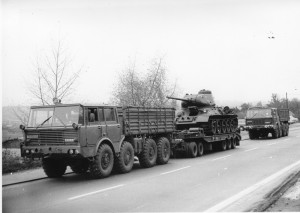 Umístění tanku T-34/85 před budovu žižkovského muzea v první polovině 70. let