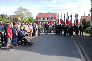 Slavnostní ceremoniál u příležitosti odhalení nové pamětní desky ve Wormhoutu. Foto Jindřich Plescher