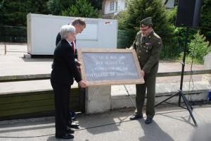 Původní pamětní desku předal starosta Wormhoutu do sbírky Vojenského historického ústavu Praha. Foto Jindřich Plescher