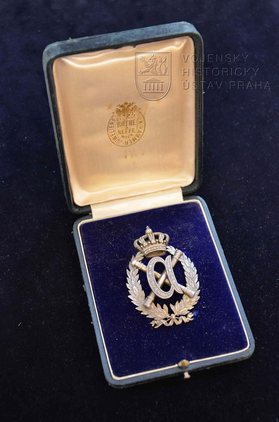 Odznak na blahou paměť polního maršála arcivévody Albrechta