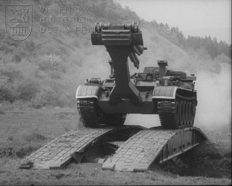 """Film """"Výcvik s mostním tankem MT-55A"""""""