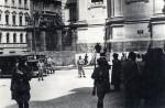 Hasiči stříkají vodu do krypty v chrámu svatých Cyrila a Metoděje