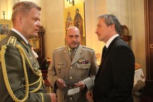 Zleva náčelník GŠ AČR Josef Bečvář, ředitel VHÚ Aleš Knížek, ministr obrany Martin Stropnický
