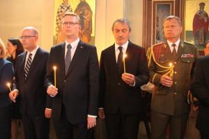 Zleva: předseda vlády Bohumil Sobotka, místopředseda vlády Pavel Bělobrádek,  ministr obrany Martin Stropnický, náčelník GŠ AČR Josef Bečvář