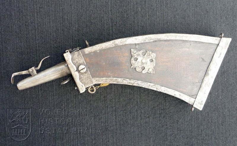 Prachovnice mušketýrská, 17. století