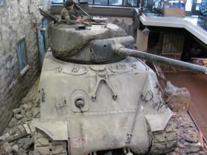 Dioráma s tankem Sherman v ulicích francouzského města. FOTO: Ivo Pejčoch