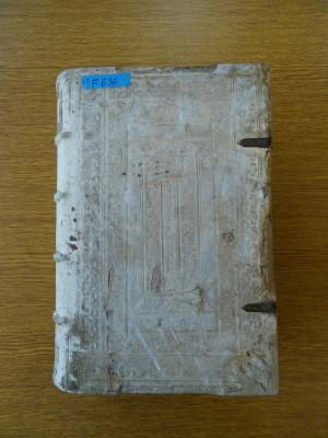 Vazba nejstarší z knih po jejím zrestaurování.