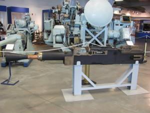 Rychlopalný námořní protiletadlový kanon ráže 40 mm, přezdívaný pom-pom. FOTO: Ivo Pejčoch