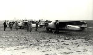 Letouny Praga E-114 Masarykovy letecké ligy Praha na letišti v Letňanech