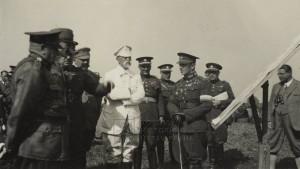 Prezident T. G. Masaryk navštívil v srpnu 1929 řídící štáb závěrečných cvičení na Hané. Na dalších pět let šlo o poslední cvičení, jež se v Československu konala v takovém měřítku. Důvod spočíval v úsporných opatřeních, která s sebou nesla hospodářská krize. FOTO: VHÚ