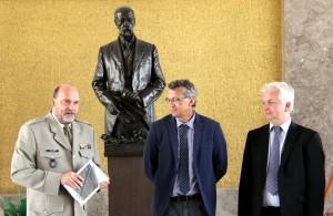Zleva: ředitel VHÚ Aleš Knížek, autoři knihy Prokop Tomek a Ivo Pejčoch