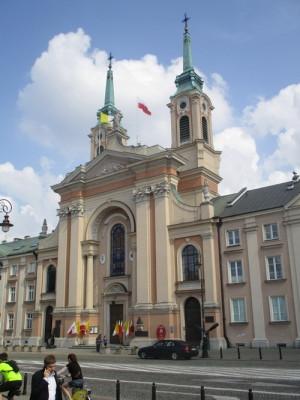 Katedrální kostel polské armády na náměstí Krasińských. V jeho podzemí se nachází unikátní muzeum armádní duchovní služby. FOTO: J. Plachý