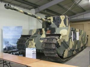 Monstrózní supertěžký tank TOG II představuje raritu britské konstrukční školy