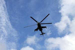 Na úvod přelétl nad diváky vrtulník Mi-24
