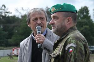 Ministr obrany Martin Stropnický a ředitel VHÚ plk. Aleš Knížek zahajují 15. Tankový den