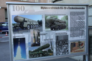 Z vernisáže výstavy 100 let raket