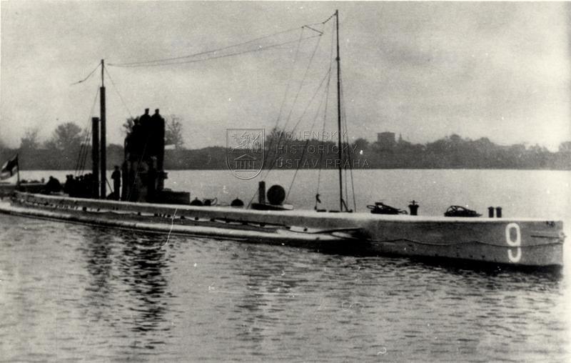 Německá ponorka U-9