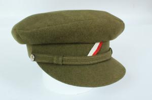 Čepice vyrobená již v Československu, tvarem odpovídá nejrozšířenějším pokrývkám hlavy v období 1918–1919. FOTO: VHÚ
