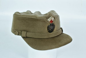 Čepice vzor 1919 – vydumka vyrobená z původního ruského sukna. FOTO: VHÚ