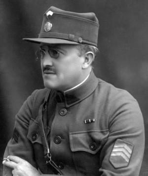 """Josef Petrš ve """"vladivostockém"""" stejnokroji s vydumkou. FOTO: VÚA–VHA"""