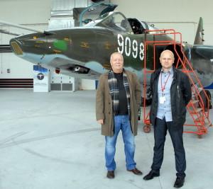 Piloti letounu František Tabačko (vlevo) a Martin Hejra.