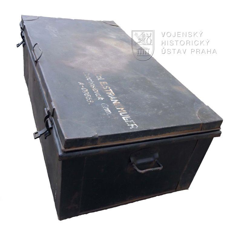 Plechový kufr po Emilu Strankmüllerovi