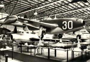 Proudový stíhací letoun Jak-17 sovětské výroby