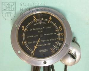 Letecký tlakoměr oleje