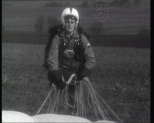 Film Parašutistický trenažér