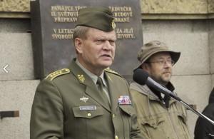 Armádní generál Josef Bečvář při svém projevu při předávání automobilů