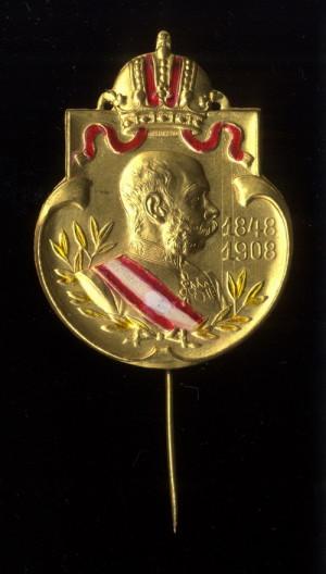 Císař František Josef I. s daty nástupu na trůn (1848) a výročí 60 let vlády (1908).  FOTO: VHÚ