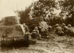 Japonští vojáci a jejich tanky