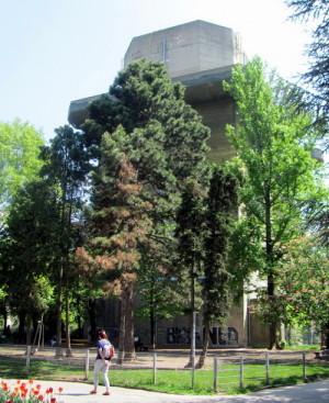 Pohled na řídící věž, ležící dnes v Arenberg Park. Foto Ivo Pejčoch
